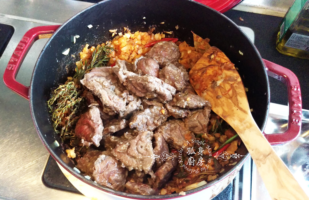 孤身廚房-香草使用不手軟!我的招牌香料燉牛肉19
