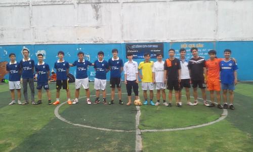 Giải bóng đá tứ hùng 2015