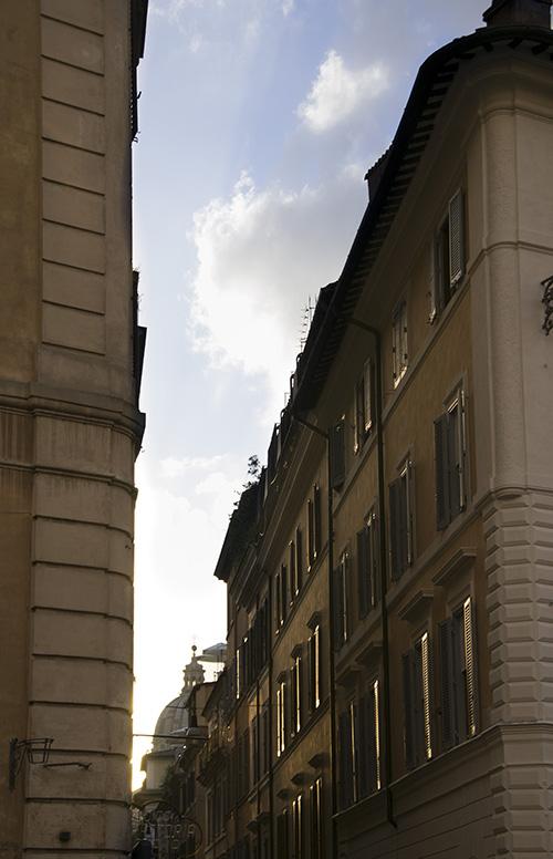 Via delle Carrozze - Piazza di Spagna