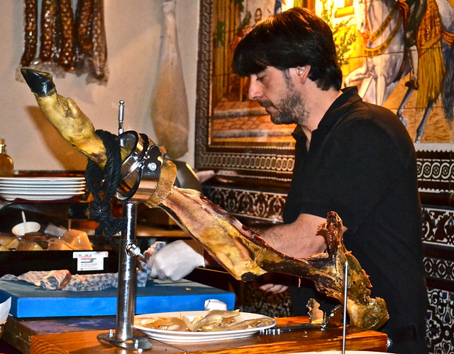 jamon iberica - Flamenco Show Madrid - Tablao Flamenco Villa Rosa
