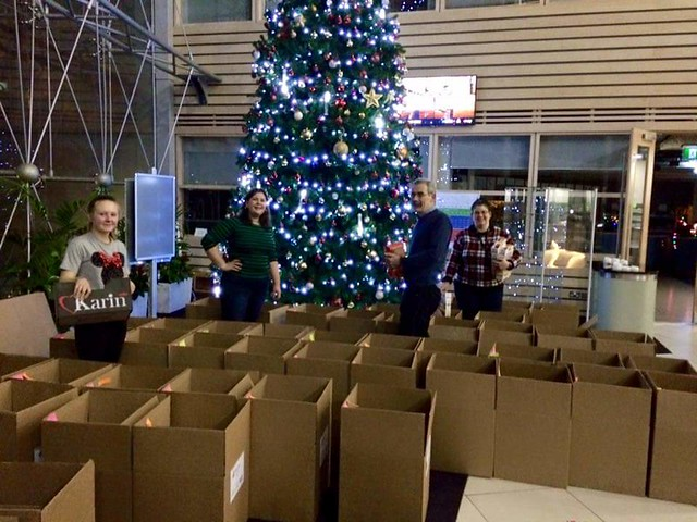 Serve the City Holiday Hampers Packing and Delivery 2015