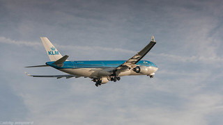 KLM A330 rocketing out of Amsterdam Airport