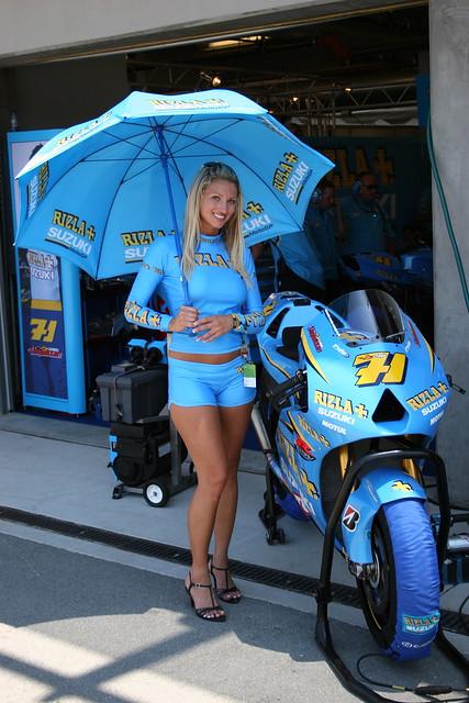 The lovely Rizla Suzuki MotoGP girls at US GP
