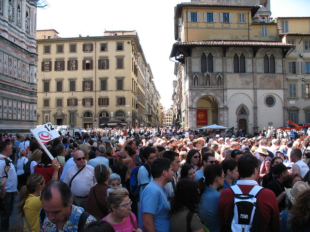 Tourist mob in Florence, Italy