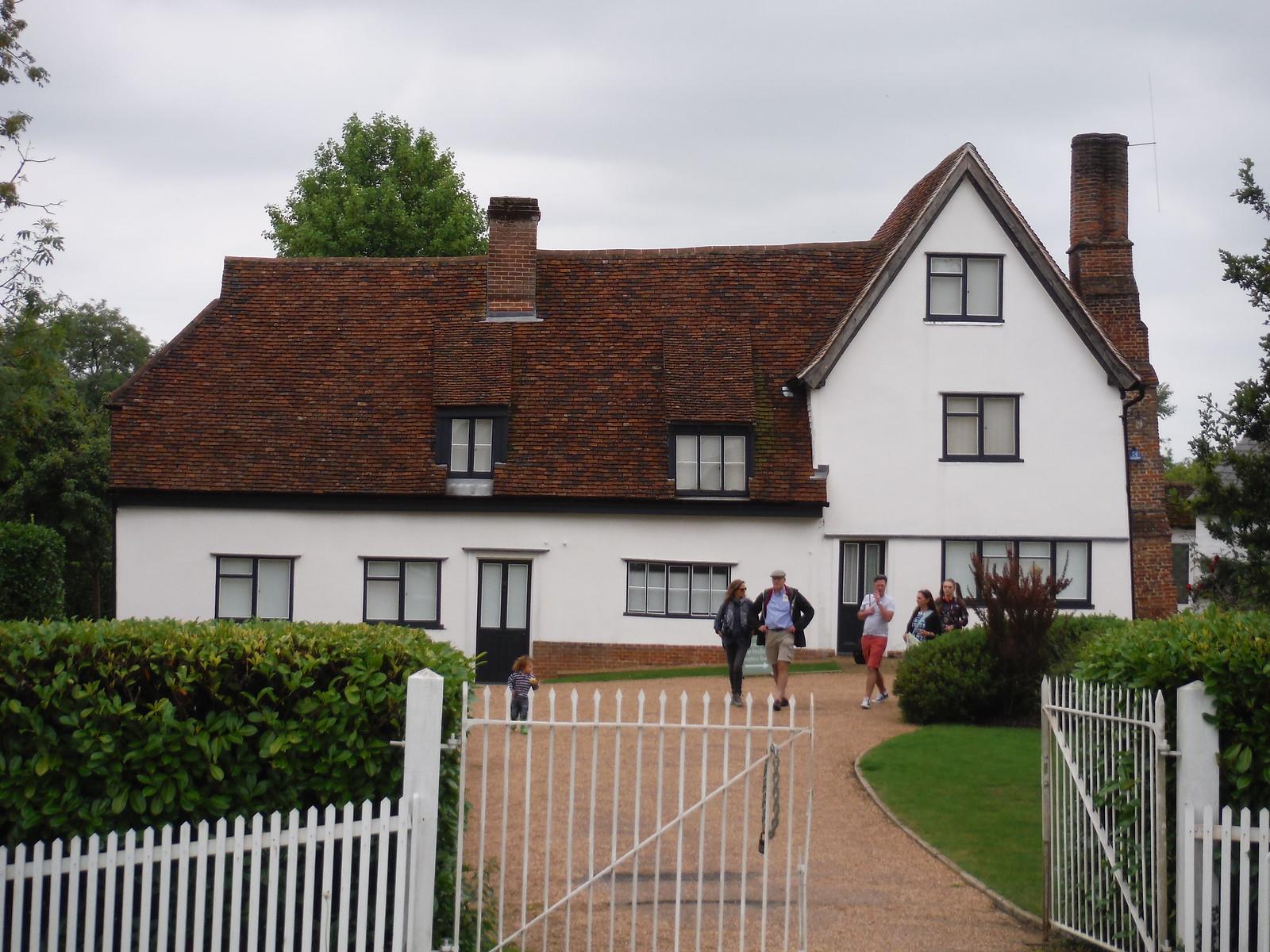 Hoglands, Henry Moore's home SWC Walk 164 Roydon to Sawbridgeworth via Henry Moore Foundation