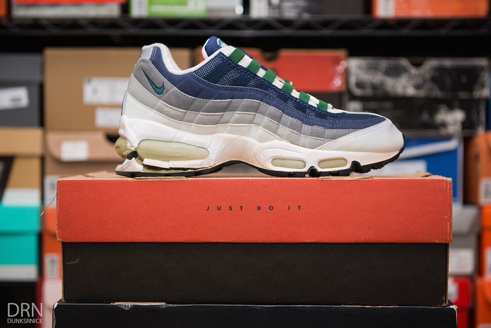 1998 Navy & Forest AM95's.