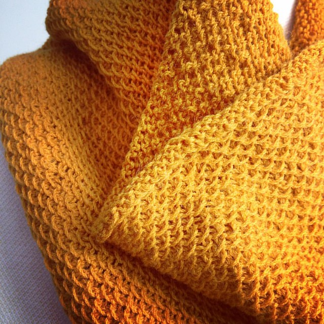 This weekend I finished #knitting my #honeycowl which now is my dear friend T's honey cowl. I hope she likes it and uses it until it falls apart in a very distant future. No pressure... ;)