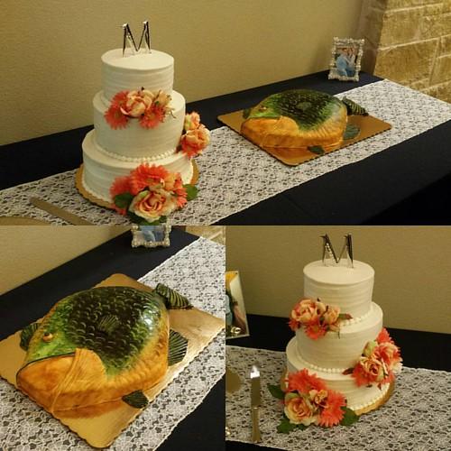 Congrats Rob and Ashley! #johnsons_bakery #buyitinbastrop #customcakes #loveflowers