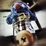 Gots a head in a jar, mate!