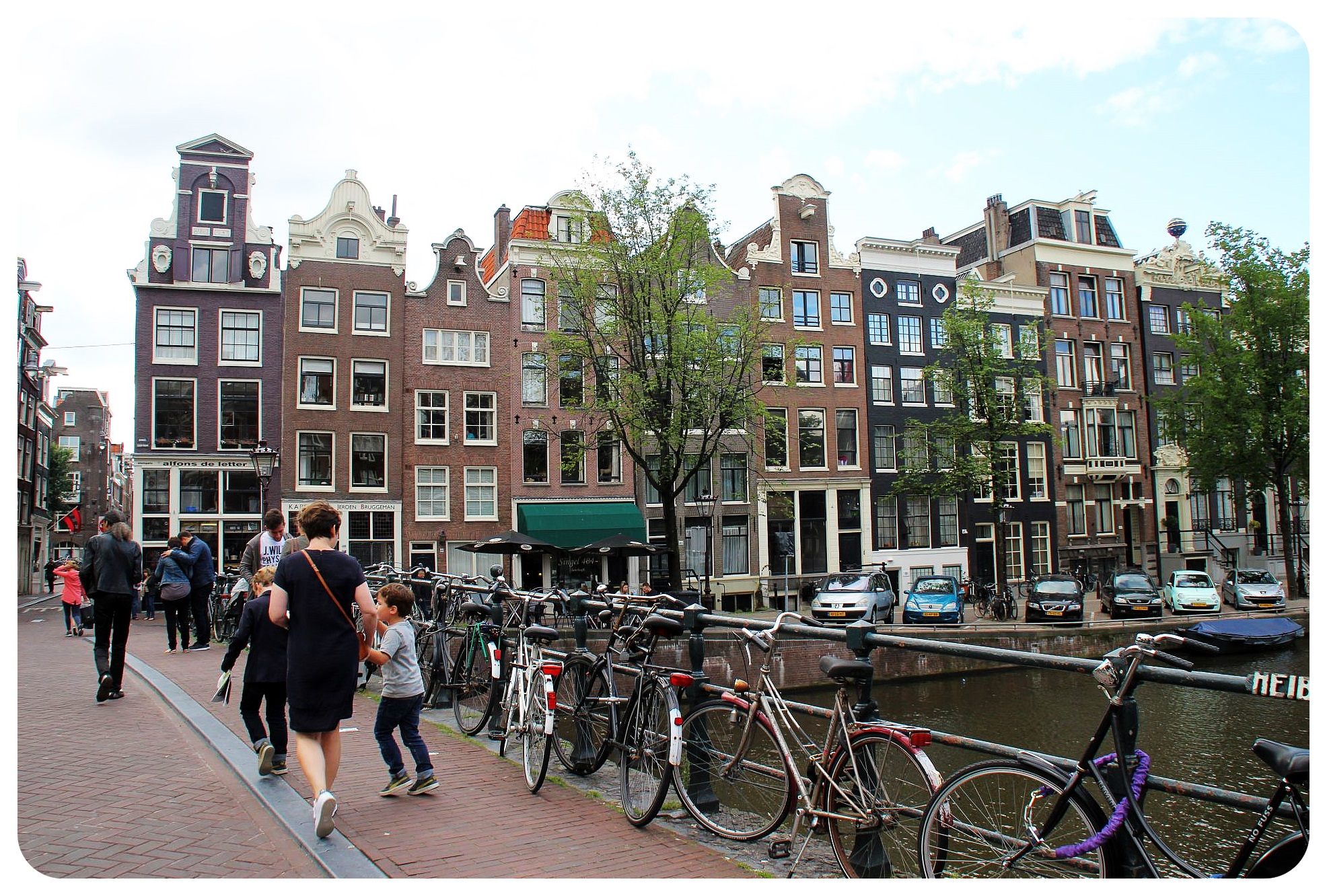 amsterdam bridge and houses