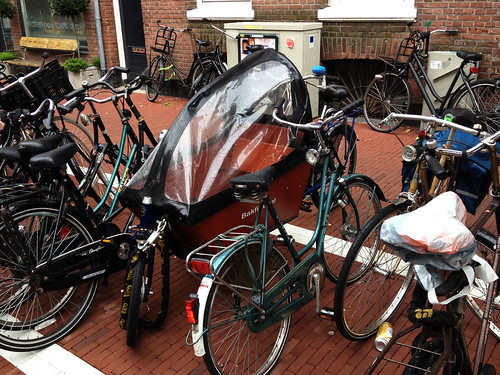 bakfiets-with-rain-cover