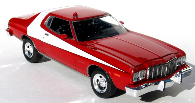 Starsky and Hutch Ford Gran Torino 1:25 Scale Model Kit Revell 85-4023