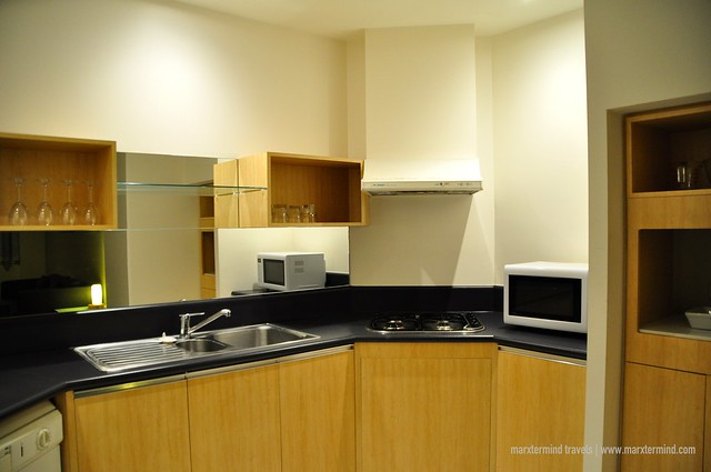 Kitchen One Bedroom Apartment at Park Regis Griffin Suites