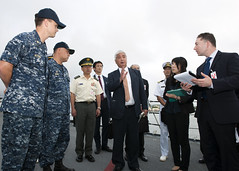 Gen Nakatani, center, the Japanese Minister of Defense, speaks with Capt. Adolfo Ibarra, second from left, commanding officer of the guided-missile cruiser USS Port Royal (CG 73), and staff members of Nakatani's cabinet during a tour of the ship as part of Nakatani's visit to Pearl Harbor. (U.S. Navy/MC2 Jeff Troutman)
