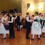 Für die 250-Jahrfeier hatte die Gemeindeverwaltung einen Tanzlehrer engagiert - und der hat ihnen einiges beigebracht.