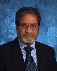 Dr Suren Kulshreshtha