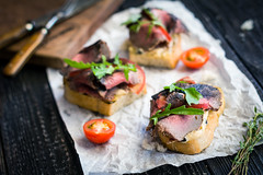 Bruschetta with roast beef