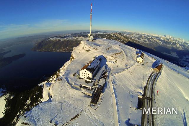 Die Schweizer Bergwelt von oben
