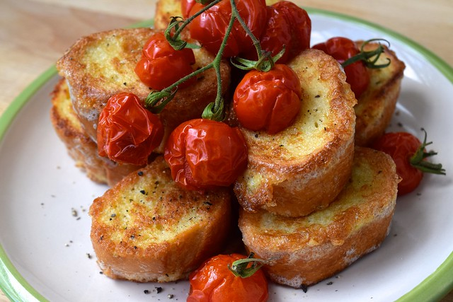 Eggy Bread with Roasted Tomatoes | www.rachelphipps.com @rachelphipps