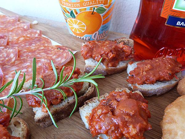 aucisse et tomate