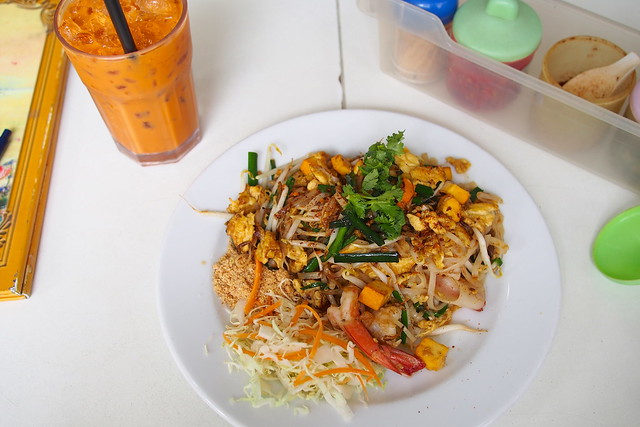 pad thai, thai iced milk tea. First Thai, 23 Purvis Street, Bugis, Singapore