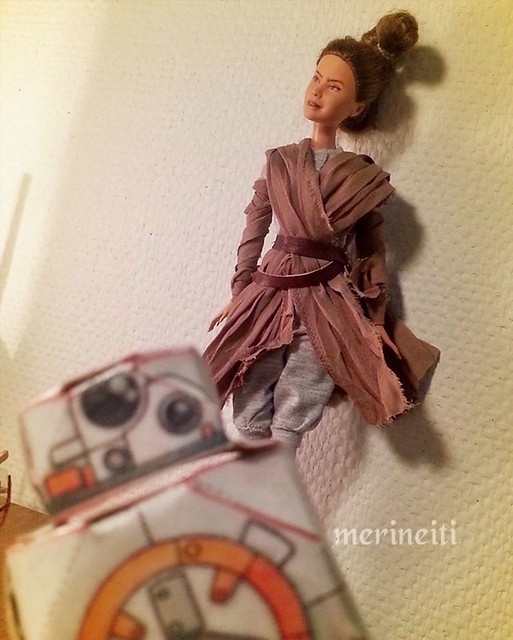 Okay had to snatch another pic.Hoping to continue her next week. #custombarbie #rey #daisyridley with #papercraft #droid #repaint #repainteddolls #bb8droid #bb8 #starwarstheforceawakens #starwarsepisodevii #starwarsrey #customdoll #customfigure #dollrepai