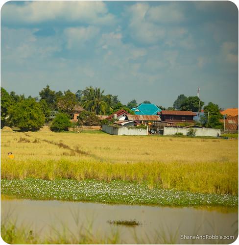 bus se drive la southeast laos vangvieng vientiane travelasia vientianeprefecture sikeut