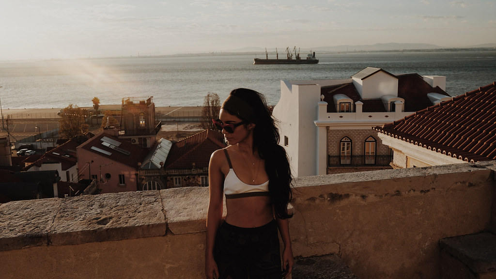 Ванесса Хадженс — Фотосессия для «Find Your California» 2015 – 95