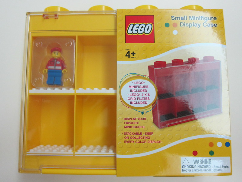 LEGO Small Minifigure Display Case - Box Front