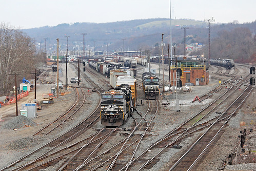 norfolksouthern norfolksoutherntrains nsconwayyard railroadyards eastconway ns nsinpittsburgh pittsburgharearailroads