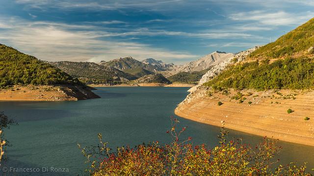 artificial lake, Los Barrios de Luna 1.)-892