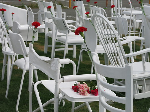185 white chairs - Madras Street