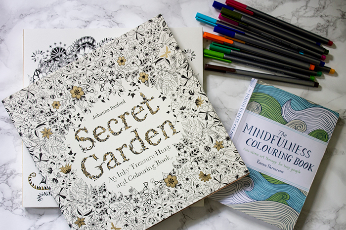 Adult Colouring Books: Secret Garden, Mindfulness Colouring Book