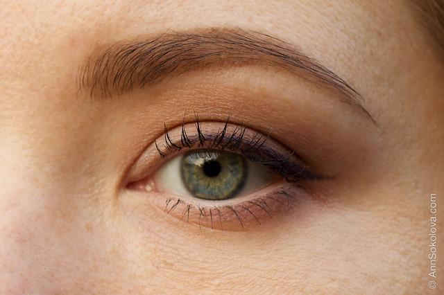09 NYX Hot Singles Eye Shadow #HS28 Guilt Trip + #HS42 Strike A Pose+ NYX HD Eyeshadow Base makeup eye