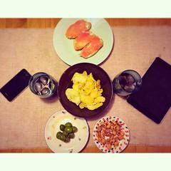 iMerienda en la serie #Simetrias #emporda #incostabrava #food #apple #hatersinlove #stclements #vro