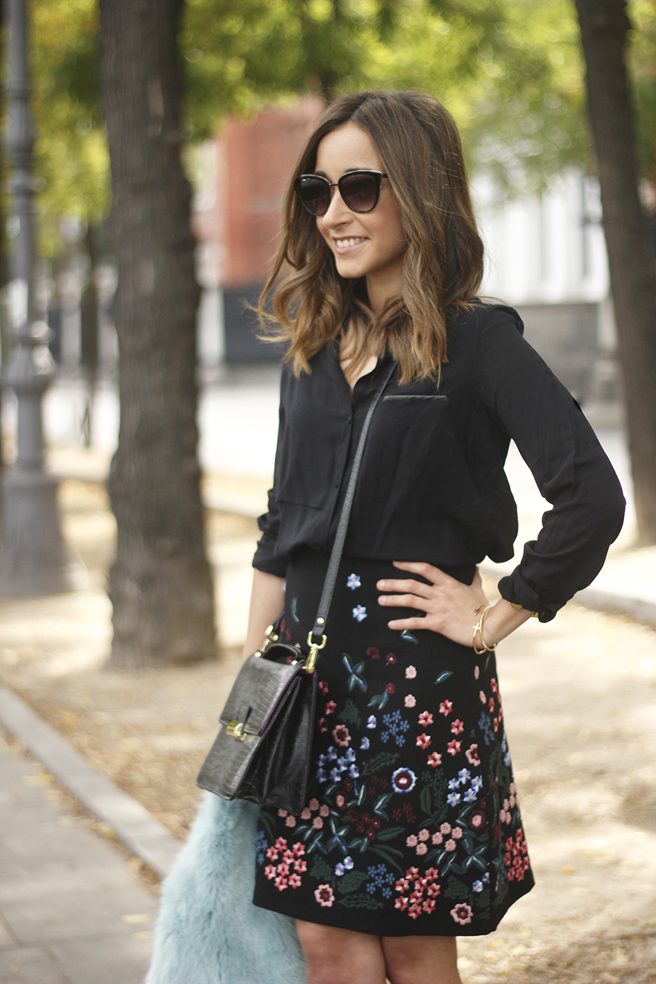 black skirt with flowers outfit09