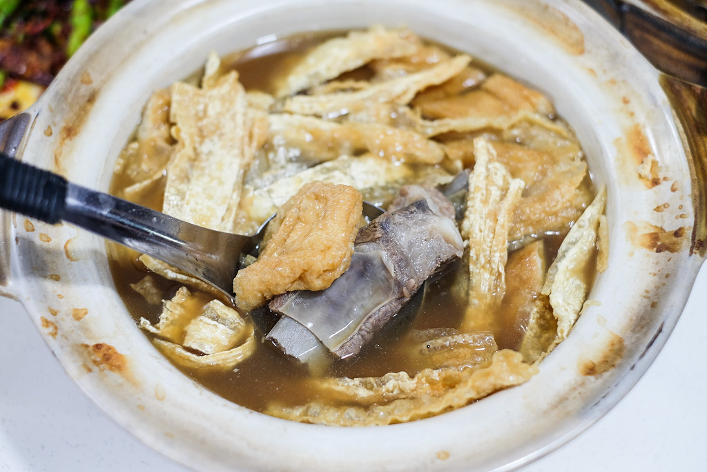 Klang(jln meru lim kee)bak kut teh:粘土锅豆腐皮和陶泊