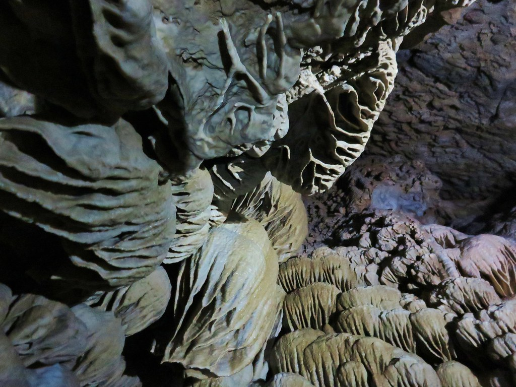 Looking up in the Paradise Lost room of the Oregon Cave
