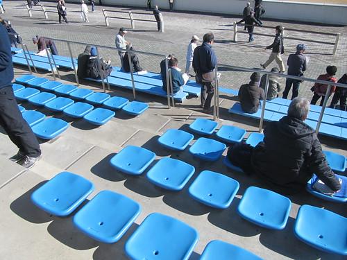 中山競馬場の一般席の下の方