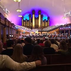 At a Mormon Tabernacle Choir Rehearsal, concert starts soon