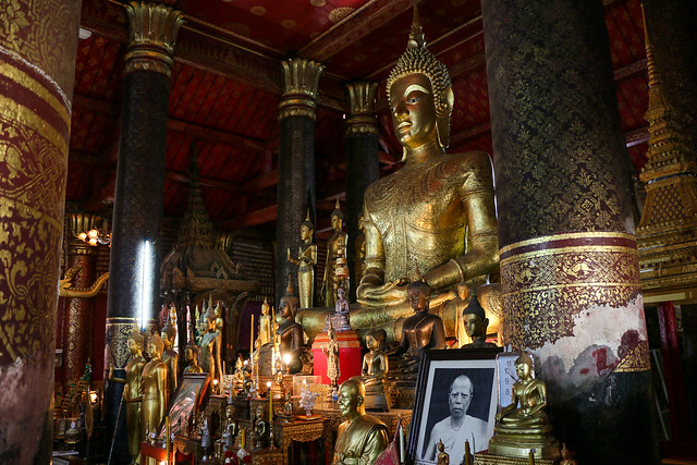 Buddha statues in Wat Mai Suwannaphumaham, Luang Prabang, laos ルアンパバーン、ワット・マイの仏像