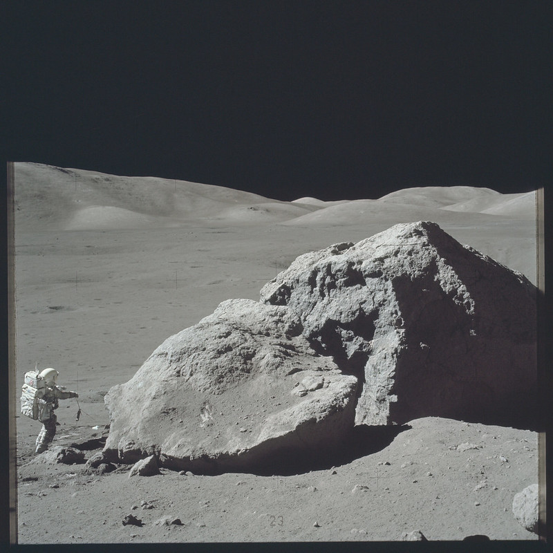 AS17-140-21496