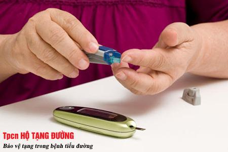 Theo dõi nồng độ glucose thường xuyên khi tiêm insulin
