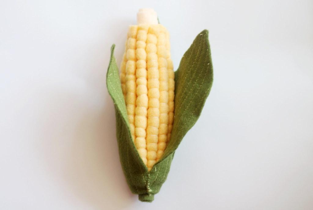 play food - felt corn on the cob