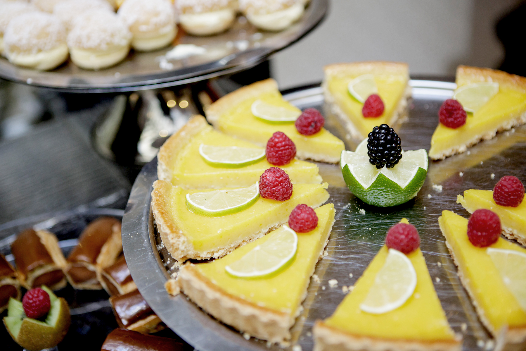 sweets paris tarte citron fruit cake le 123 sébastopol astotel hotel review boutique luxury treat fashion lifestyle blogger ricarda schernus cats & dogs blog 2