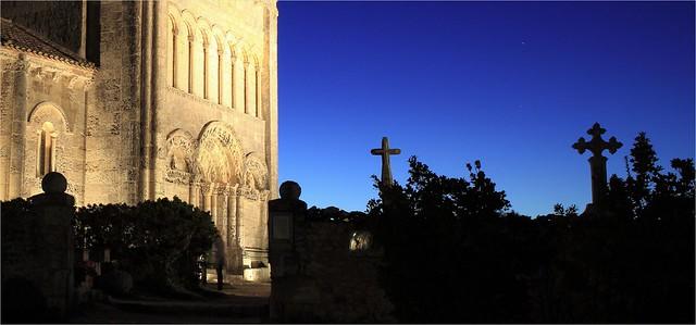 Église romane de TALMONT SUR GIRONDE.
