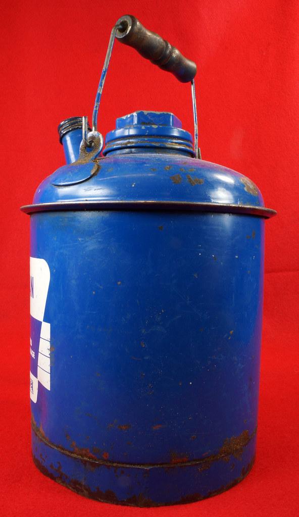 RD7979 Vintage Original Eagle Welded 24 Gauge Steel Blue 1 Gallon Oil Can DSC08055