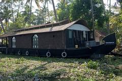 I jeszcze jeden houseboat