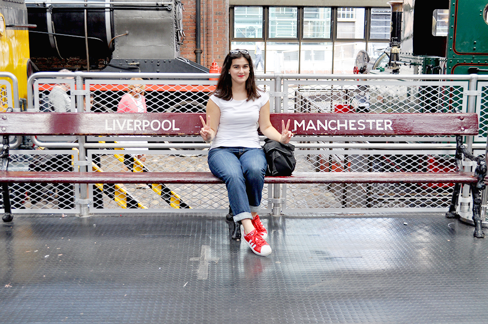 UK manchester fashion blogger somethingfashion tourism, survival guide great britain what to do in manchester, manchester cathedral, valencia fashion blogger