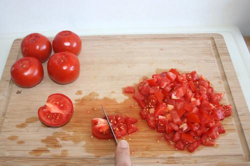 17 - Tomaten würfeln / Dice tomatoes